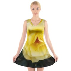 Pale Yellow Rose V Neck Sleeveless Dress