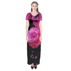 Bunches Of Roses (close Up) Short Sleeve Maxi Dress