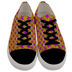 Pink Stars Pattern On Yellow Men s Low Top Canvas Sneakers