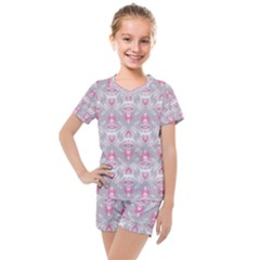 Seamless Pattern Background Kids  Mesh Tee And Shorts Set