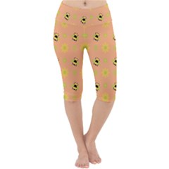 Bee Bug Nature Wallpaper Lightweight Velour Cropped Yoga Leggings