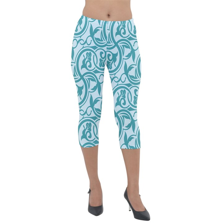 Decorative Blue Floral Pattern Lightweight Velour Capri Leggings