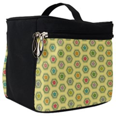 Hexagonal Pattern Unidirectional Yellow Make Up Travel Bag (big) by HermanTelo