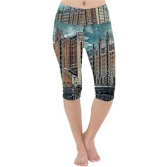 Architecture City Building Travel Lightweight Velour Cropped Yoga Leggings