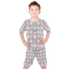 Seamless Pattern Pastels Background Kids  Tee And Shorts Set by HermanTelo