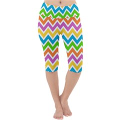 Chevron Pattern Design Texture Lightweight Velour Cropped Yoga Leggings