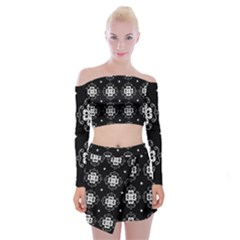 Ornament Flowers Seamless Geometric Off Shoulder Top With Mini Skirt Set