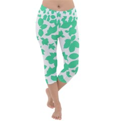 Botanical Motif Print Pattern Lightweight Velour Capri Yoga Leggings