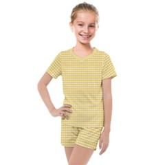 Gingham Plaid Fabric Pattern Yellow Kids  Mesh Tee And Shorts Set