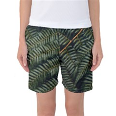 Green Leaves Photo Women s Basketball Shorts