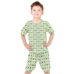 Green Leafs 2 Kids  Tee And Shorts Set