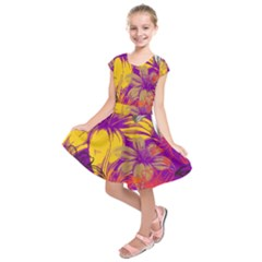 Fancy Tropical Floral Pattern Kids  Short Sleeve Dress by tarastyle