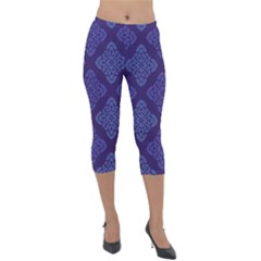Seamless Continuous Lightweight Velour Capri Leggings  by Alisyart