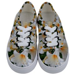 Lilies Belladonna White Flowers Kids  Classic Low Top Sneakers