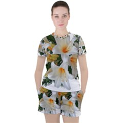 Lilies Belladonna White Flowers Women s Tee And Shorts Set