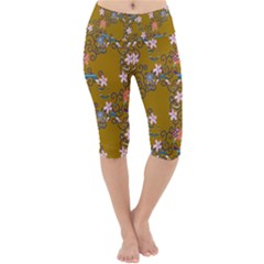 Textile Flowers Pattern Lightweight Velour Cropped Yoga Leggings