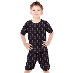 Nerdy 60s  Girl Pattern Black Kids  Tee And Shorts Set