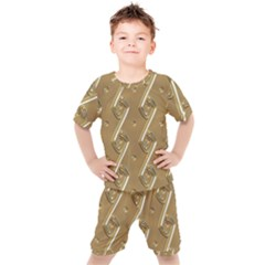 Gold Background 3d Kids  Tee And Shorts Set