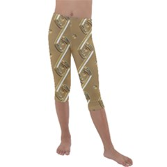 Gold Background 3d Kids  Lightweight Velour Capri Leggings