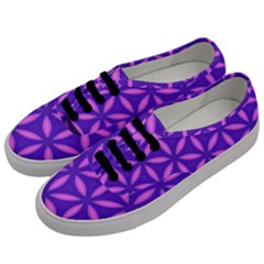 Pattern Texture Backgrounds Purple Men s Classic Low Top Sneakers