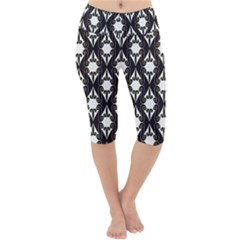 Abstract Seamless Pattern Graphic Black Lightweight Velour Cropped Yoga Leggings