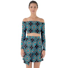 Seamless Wallpaper Pattern Off Shoulder Top With Skirt Set by Vaneshart