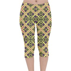 Seamless Wallpaper Geometric Velvet Capri Leggings