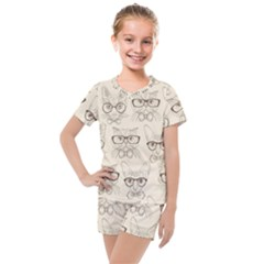 Seamless Pattern Hand Drawn Cats With Hipster Accessories Kids  Mesh Tee And Shorts Set