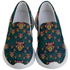 Hearts And Sun Flowers In Decorative Happy Harmony Kids  Lightweight Slip Ons by pepitasart