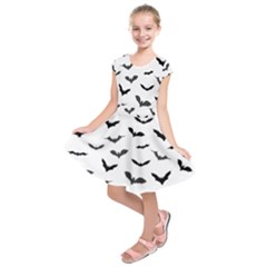 Bats Pattern Kids  Short Sleeve Dress by Sobalvarro