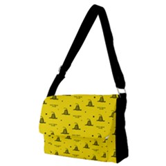 Gadsden Flag Don t Tread On Me Yellow And Black Pattern With American Stars Full Print Messenger Bag (m)