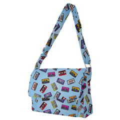 Retro Look Full Print Messenger Bag (m)