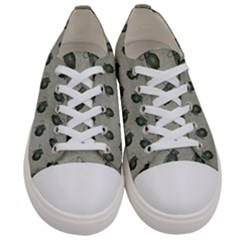Army Green Hand Grenades Women s Low Top Canvas Sneakers