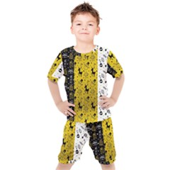 Black Golden Christmas Pattern Collection Kids  Tee And Shorts Set