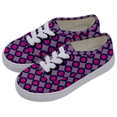 Df Blizzee City Kids  Classic Low Top Sneakers by deformigo