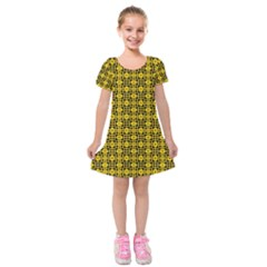 Venturo Kids  Short Sleeve Velvet Dress by deformigo