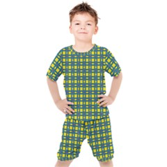 Wannaska Kids  Tee and Shorts Set
