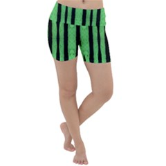 Tarija 016 Black Light Green Lightweight Velour Yoga Shorts