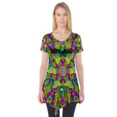 Birds In Peace And Calm Short Sleeve Tunic