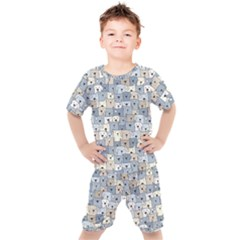 Cute Dog Seamless Pattern Background Kids  Tee And Shorts Set