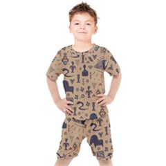 Vintage Tribal Seamless Pattern With Ethnic Motifs Kids  Tee and Shorts Set
