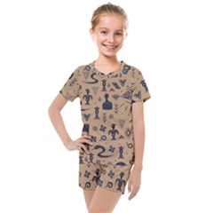 Vintage Tribal Seamless Pattern With Ethnic Motifs Kids  Mesh Tee and Shorts Set