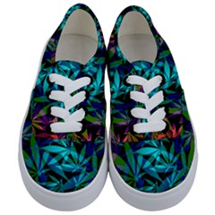 420 Ganja Pattern, Weed Leafs, Marihujana In Colors Kids  Classic Low Top Sneakers