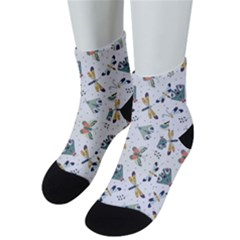 Seamless Pattern With Moth Butterfly Dragonfly White Backdrop Men s Low Cut Socks