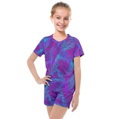 Leaf Pattern With Neon Purple Background Kids  Mesh Tee And Shorts Set