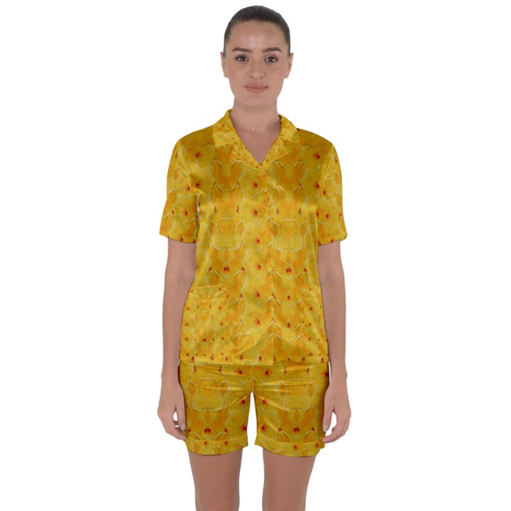 Blossoms  So Free In Freedom Satin Short Sleeve Pyjamas Set