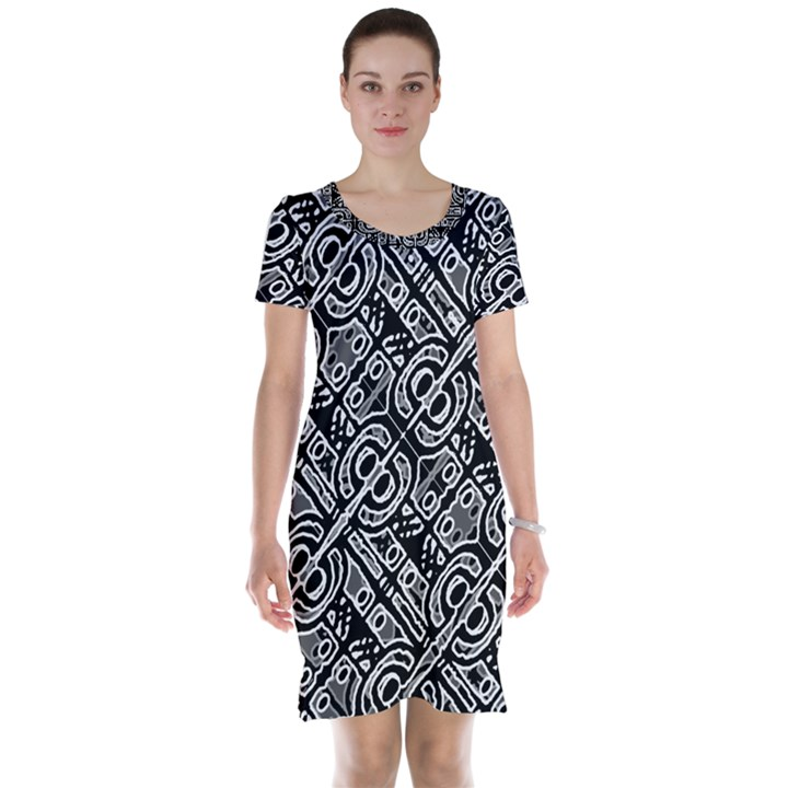 Linear Black And White Ethnic Print Short Sleeve Nightdress