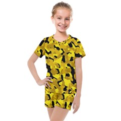 Black And Yellow Camouflage Pattern Kids  Mesh Tee And Shorts Set