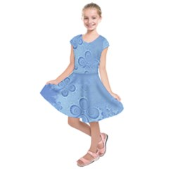 Light Blue Intricate Swirls Pattern Kids  Short Sleeve Dress