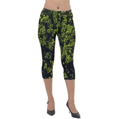 Nature Dark Camo Print Lightweight Velour Capri Leggings